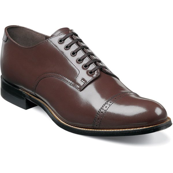 CAP TOE OXFORD WITH BROQUE DETAIL WELT CONSTRUCTION KIDSKIN LEATHER AND LEATHER SOLE